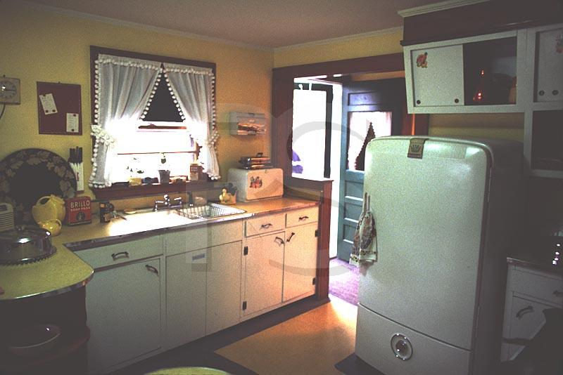 Antique appliances retro refrigerator reproduction stove for 50s style kitchen appliances