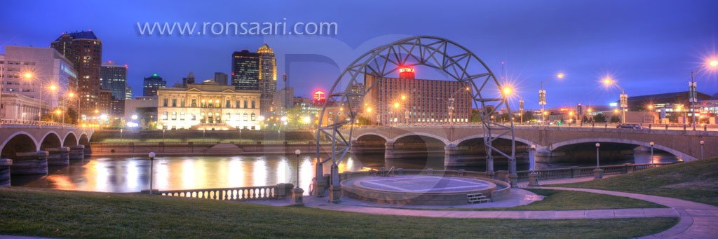 Des Moines Skyline At Dusk Panoramic 2